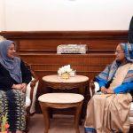 PM seeks Malaysia's help to send back Rohingyas